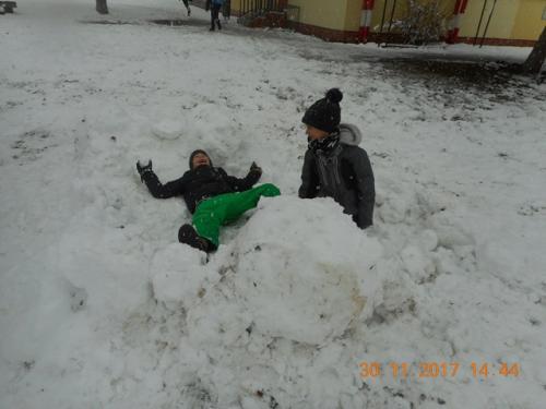 Radovánky v snehu